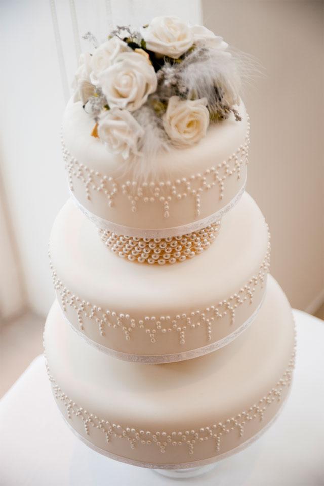 Vintage Wedding Cake Black