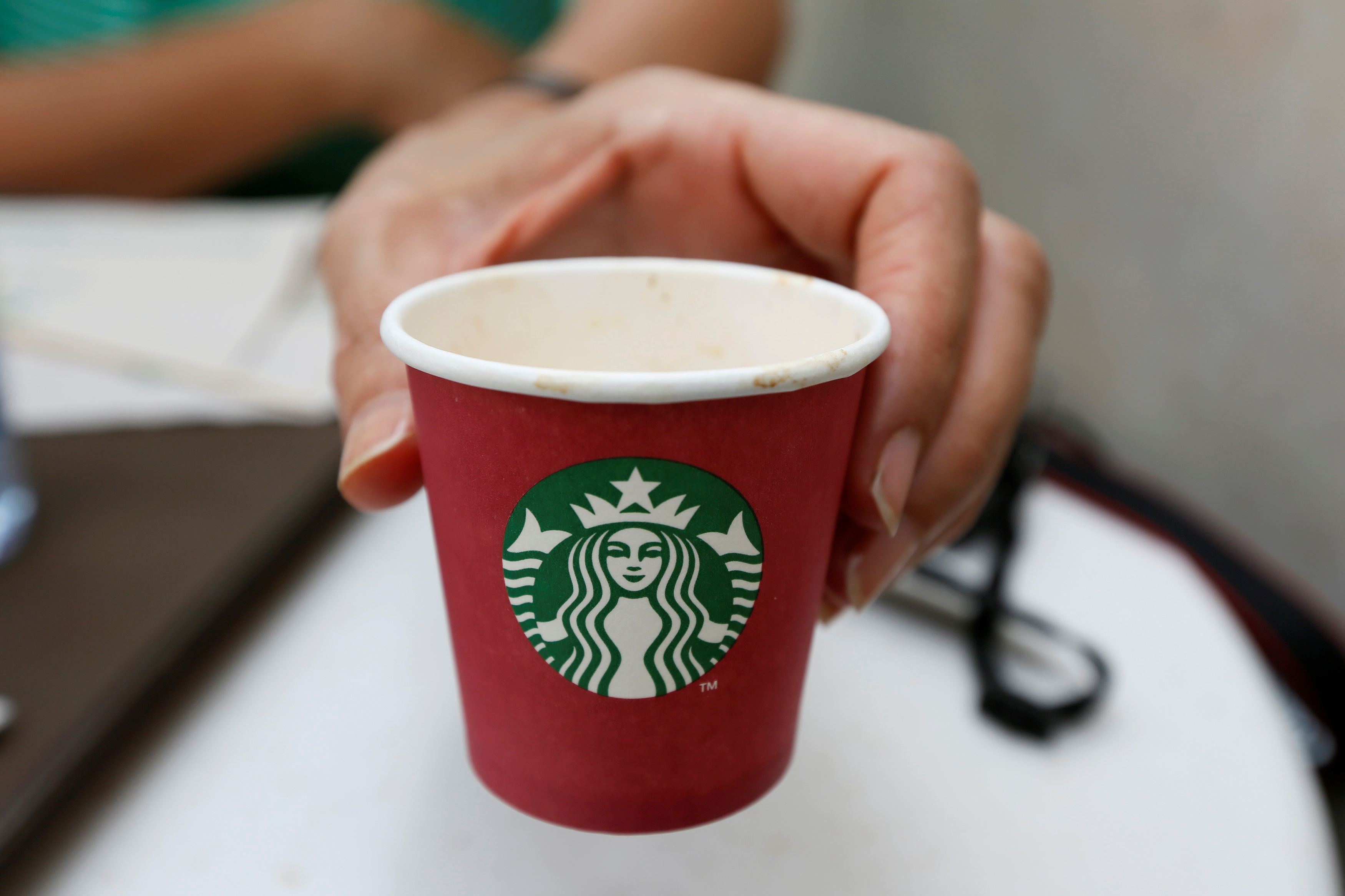 "starbuck senior singles The announcement comes just a little more than a week after seattle's plastic straw ban took effect on july 1 ""starbucks, the largest food and beverage retailer to make such a global."