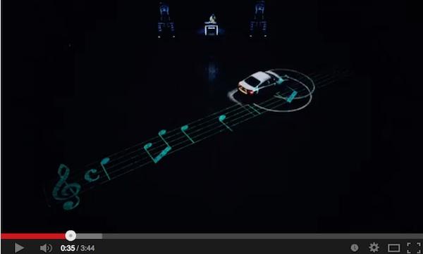 スポーツカーがドリフトしながら音楽を奏でるMVがスケールでかすぎwww