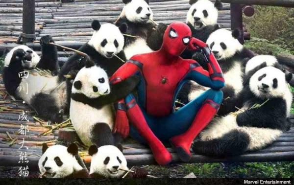 『スパイダーマン:ホームカミング』の中国版ポスタ... 『スパイダーマン:ホームカミング』の中国