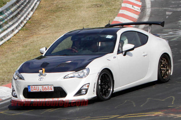 lightweight toyota gt86 spotted on nordschleife with carbon panels upgraded aero. Black Bedroom Furniture Sets. Home Design Ideas
