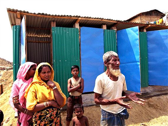囲いができ、女性も安心して使える水浴び場が完成(クトゥパロン避難民キャンプ、2018年3月7日)