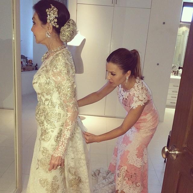 Monique Lhuillier Designs Gorgeous Custom Wedding Gown For