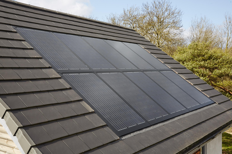 pourquoi installer des panneaux solaires chez soi est plus simple qu 39 on ne le pense. Black Bedroom Furniture Sets. Home Design Ideas