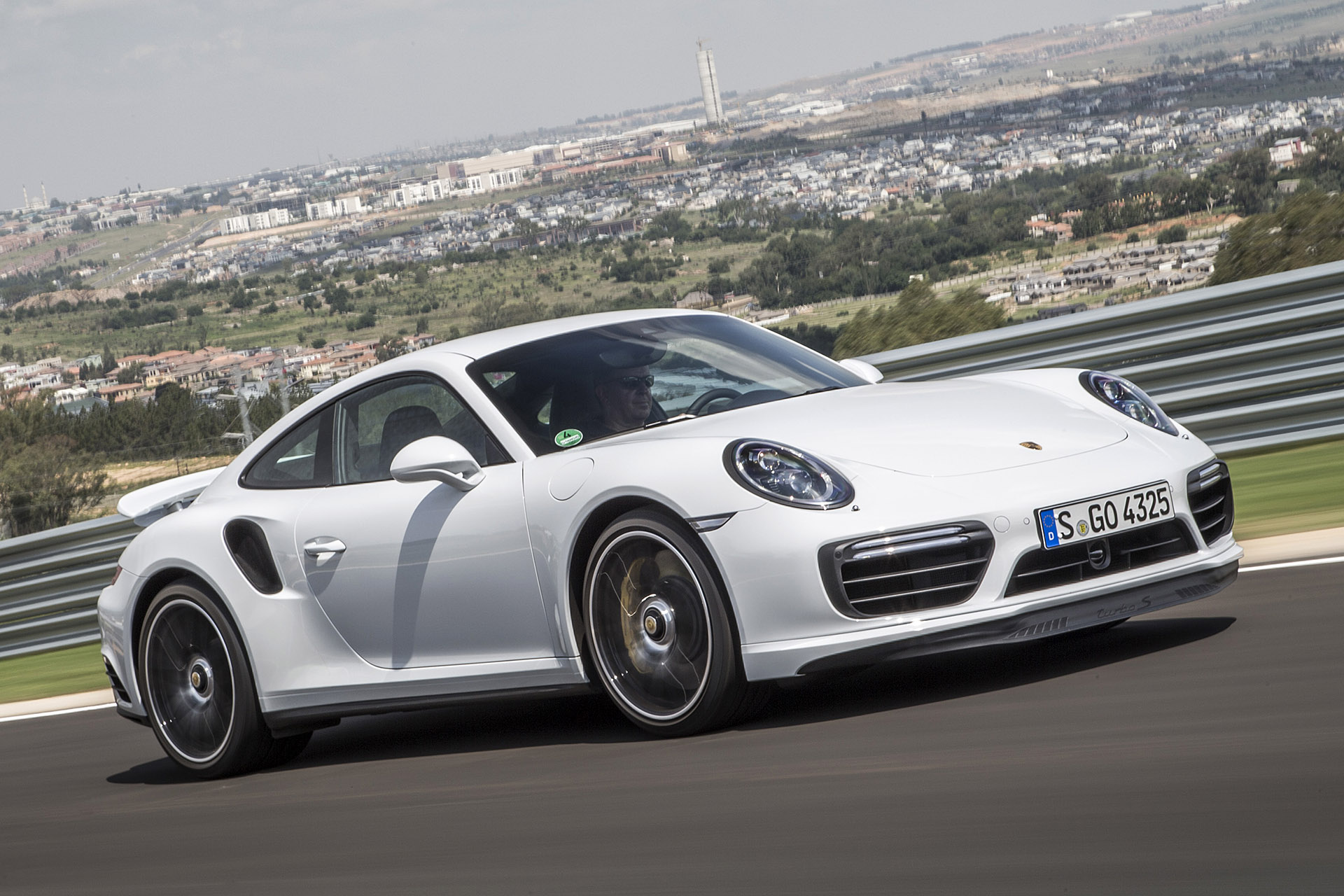 porsche 911 turbo prices reviews and new model information autoblog. Black Bedroom Furniture Sets. Home Design Ideas