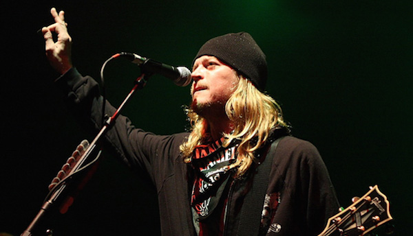most notoriously terrible lead singers, worst lead singers, wes scantlin puddle of mudd