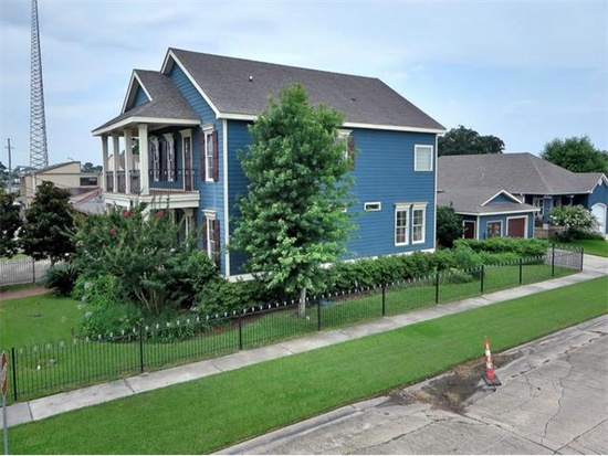 A Decade After Katrina- blue house