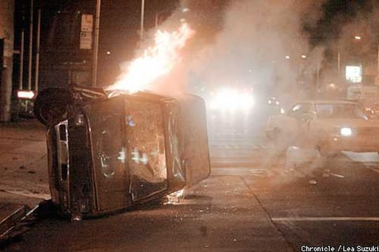 Raiders fans riot after losing Super Bowl 37