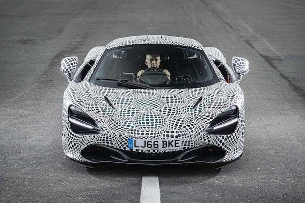 マクラーレン、開発が続いている3人乗りスーパーカーの写真を公開