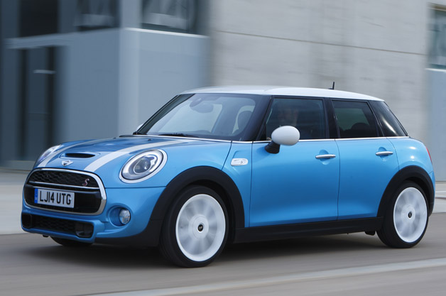 mini stretches out with new hardtop 4 door w video update. Black Bedroom Furniture Sets. Home Design Ideas