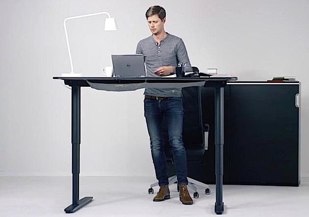 ikea bekant tisch mit ergonomischem stehautomatismus engadget deutschland. Black Bedroom Furniture Sets. Home Design Ideas