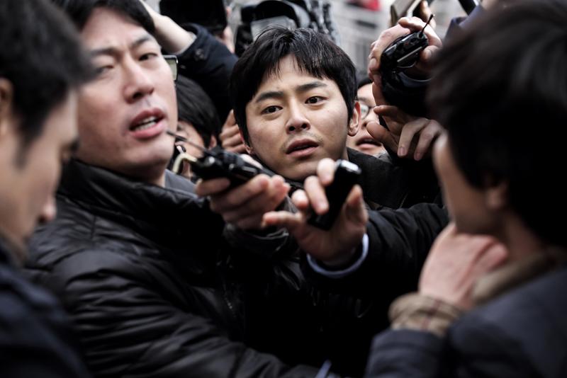報道の光と闇を描く韓国発サスペンス・スリラー『造られた殺人』11月公開【予告映像】