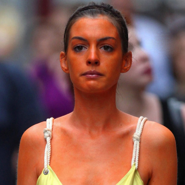 Anne Hathaway Bride Wars: Self Tanning: Five Signs It's All Gone Wrong