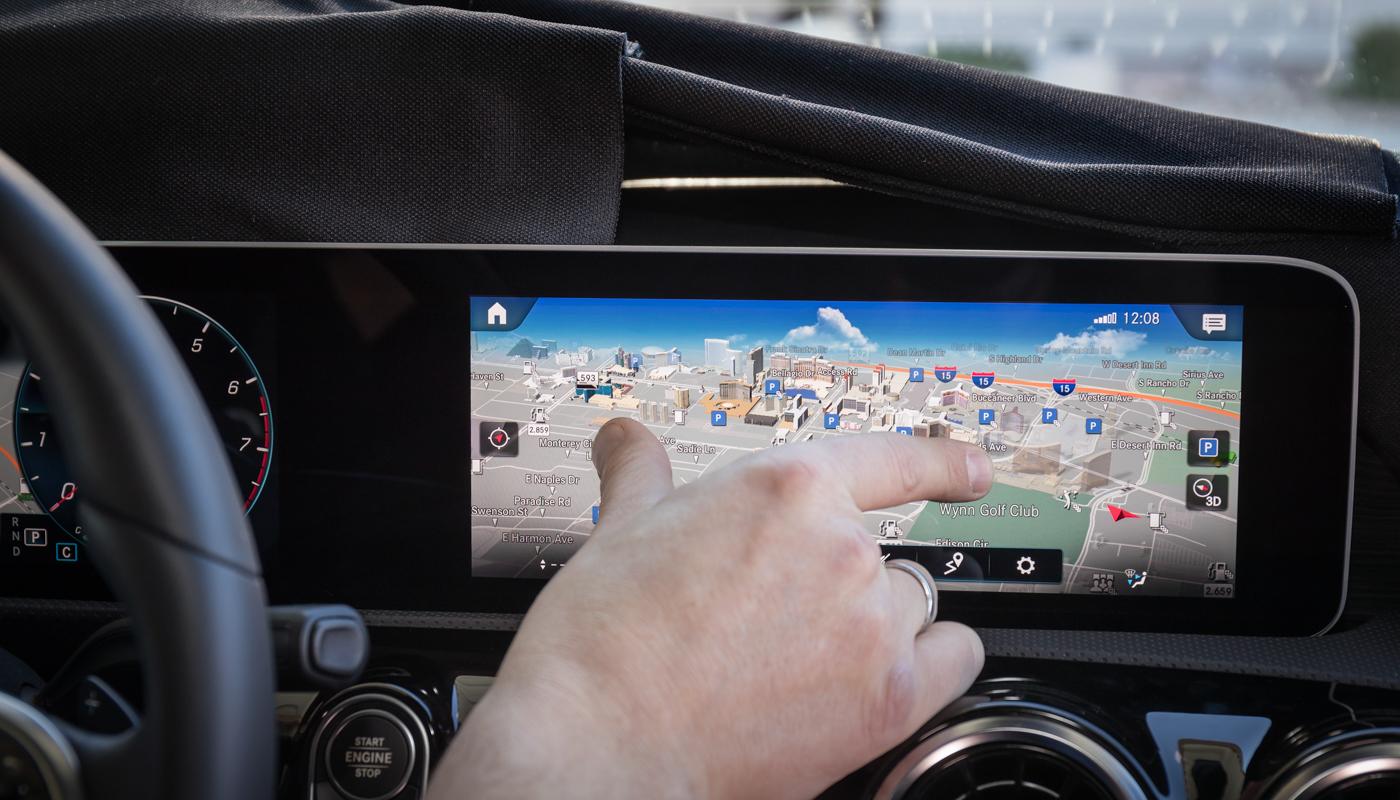 Mercedes-Benz auf der Consumer Electronics Show (CES) in Las Vegas: Weltpremiere des intuitiven und lernfähigen Multimediasystems MBUX – Mercedes-Benz User Experience, das 2018 in der neuen A‑Klasse in Serie geht. Mit innovativer Technologie basierend auf künstlicher Intelligenz und einem intuitiven Bedienkonzept läutet MBUX damit eine neue Ära beim Infotainment ein. // Mercedes-Benz at the Consumer Electronics Show (CES) in Las Vegas:  World premiere of the intuitive and intelligent multimedia system MBUX - Mercedes-Benz User Experience. It will enter series production in 2018 in the new A‑Class. // MBUX is heralding a new era of infotainment with innovative technology based on artificial intelligence and an intuitive operating concept.