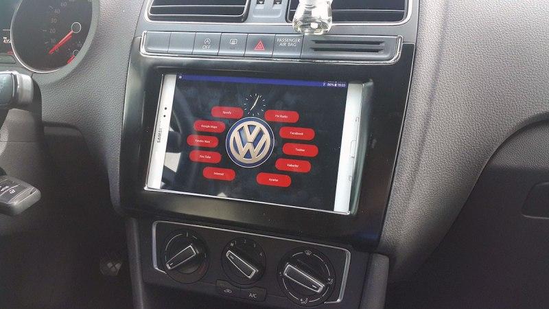 tesla neid wie man ein tablet im auto installiert video. Black Bedroom Furniture Sets. Home Design Ideas