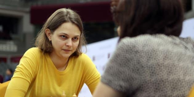 La championne d'échecs Anna Muzychuk a préféré perdre ses titres plutôt que de jouer en Arabie saoudite