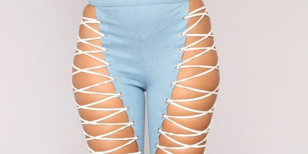 """Le site Fashion Nova met en vente ce """"jean lacets, et le pire, c'est qu'il a du succès."""