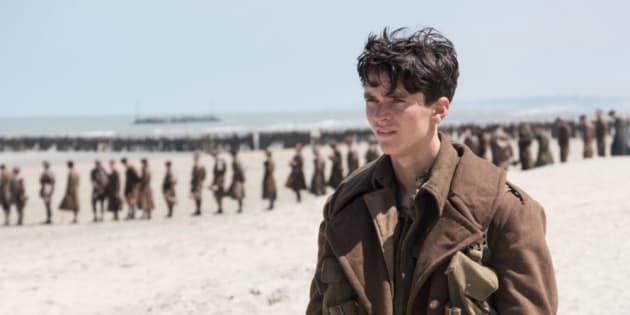 O estreante Fionn Whitehead, de apenas 20 anos, é Tommy, o protagonista.
