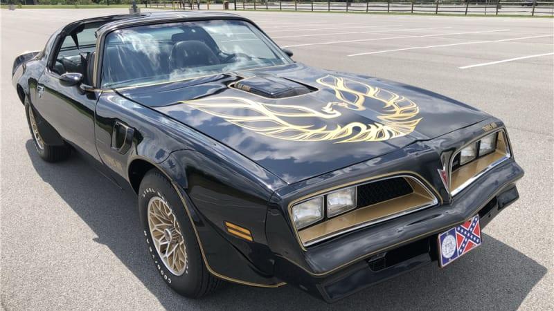 Burt Reynolds' car collection fetches $379,500 at auction   Autoblog