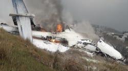 Les images après le crash d'un avion bangladais près de
