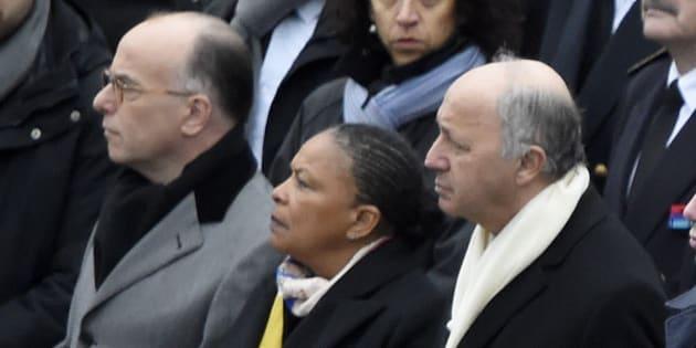 Bernard Cazeneuve, Christiane Taubira et Laurent Fabius place de la République, le 10 janvier 2016, un an après les commémorations de l'attaque de Charlie Hebdo et de l'HyperCasher. AFP PHOTO / DOMINIQUE FAGET