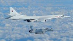Deux bombardiers russes interceptés près des côtes