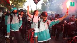 À Paris, les livreurs Deliveroo manifestent contre leur