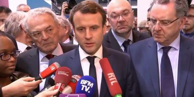 """Emmanuel Macron estime que François Fillon """"perd ses nerfs"""""""