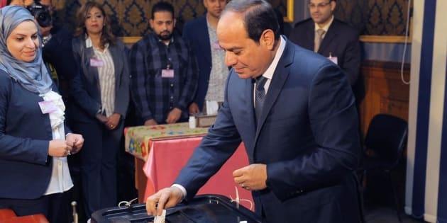 Il presidente Abdel Fattah Al Sisi al voto