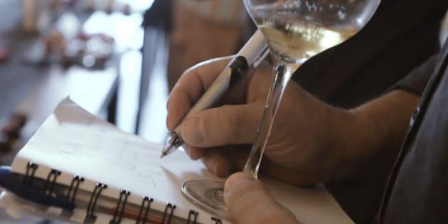 Les vins alternatifs sont servis deux à deux, totalement à l'aveugle.