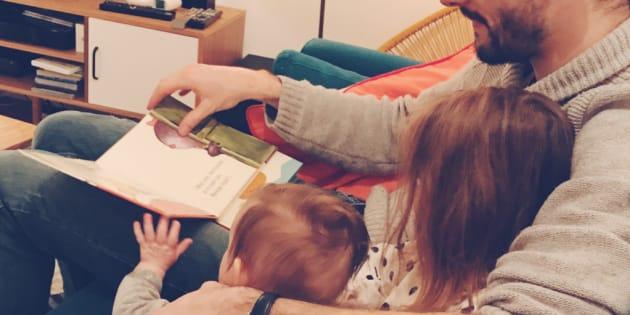 Pourquoi les remarques sur mon mari qui s'occupe de nos enfants me dérangent autant.