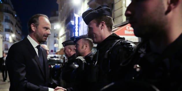 Manifestation du 1er mai: 102 gardés à vue à Paris, Édouard Philippe rend visite aux policiers.