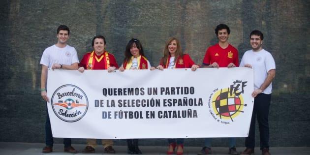 Los miembros de la plataforma 'Barcelona con la Selección'