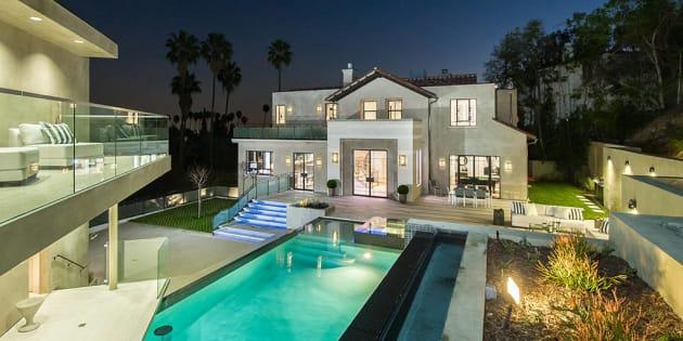Découvrez la nouvelle maison de rêve de Rihanna en Californie