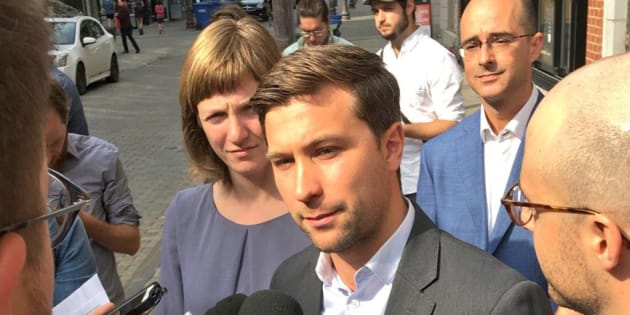 Gabriel Nadeau-Dubois, en point de presse avec les candidats solidaires Catherine Dorion et Sol Zanetti, a affirmé que le 3e lien était «une idée de vieux partis».