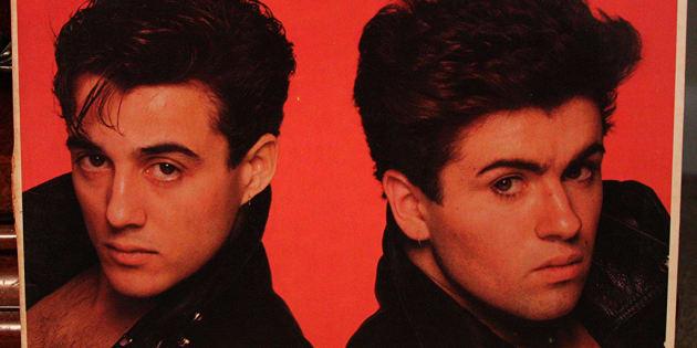 """Qu'est devenu Andrew Ridgeley, l'acolyte de George Michael dans """"Wham!"""" ?"""