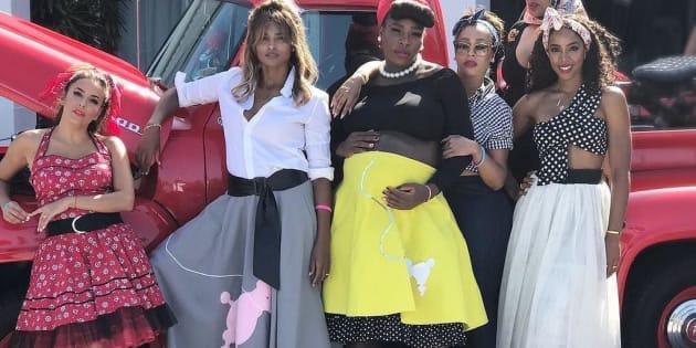Serena Williams s'est entourée de sa sœur Venus et de ses amies pour célébrer l'arrivée imminente de son bébé
