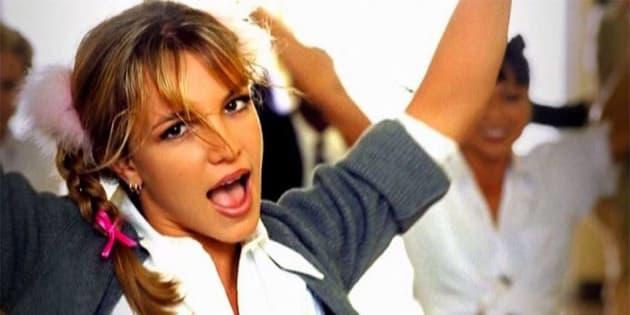 """Le célèbre clip de """"...Baby One More Time"""" est sorti le 24 novembre 1998."""