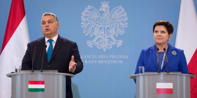 Los primeros ministros de Polonia, Beata Szydlo, y Hungría, Viktor Orban.