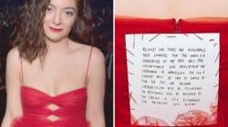 Aux Grammys 2018, Lorde a cousu ce qu'elle avait à dire dans son