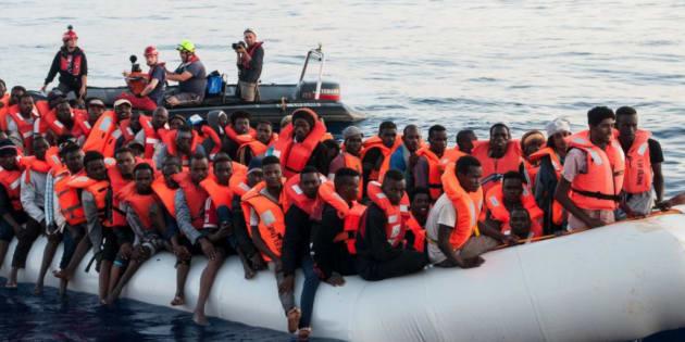 Uno de los grupos de inmigrantes rescatados por Mission Lifeline.