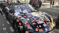Cette Porsche était vraiment mal garée lors du défilé parisien du