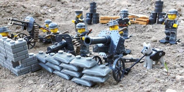 Sul sito tedesco di Amazon sono comparsi gli omini della Lego nazisti