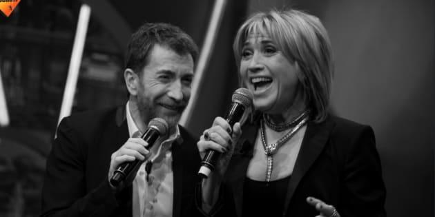 Pablo Motos y Julia Otero interpretando 'Parole parole'.