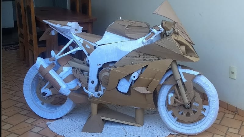 Brazilian builds Kawasaki ZX10R entirely out of cardboard