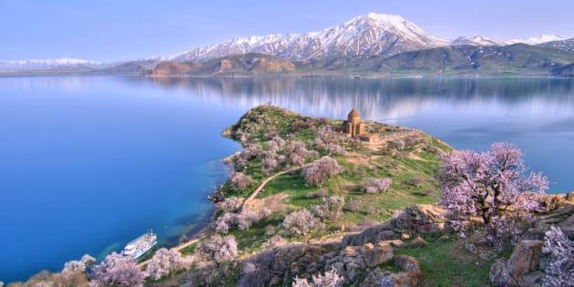 トルコのヴァン湖 Wikimedia/gozturk (CC BY 3.0)