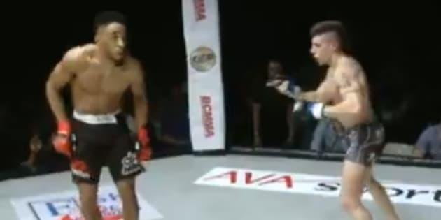 Le combattant de MMA Joe Harding dans sa nouvelle (et dernière) provocation lors de son match contre Johan Segas au British Challenge Mixed Martial Arts (BCMMA)