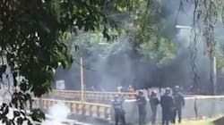 Gresca entre autoridades y manifestantes que piden atender el caso