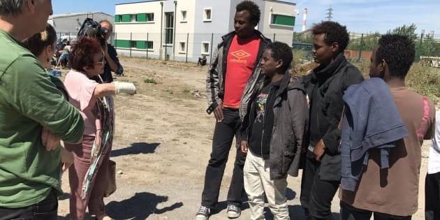 Ce que j'ai vu quand je me suis rendu dans l'enfer des camps de réfugiés à Calais.