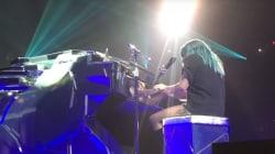 Très émue, Lady Gaga signe une première version live de